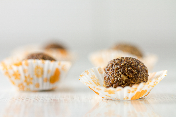 Chocolate walnut truffles, just the right amount of sweetness and the right amount of crunch. 30-min from start to finish.